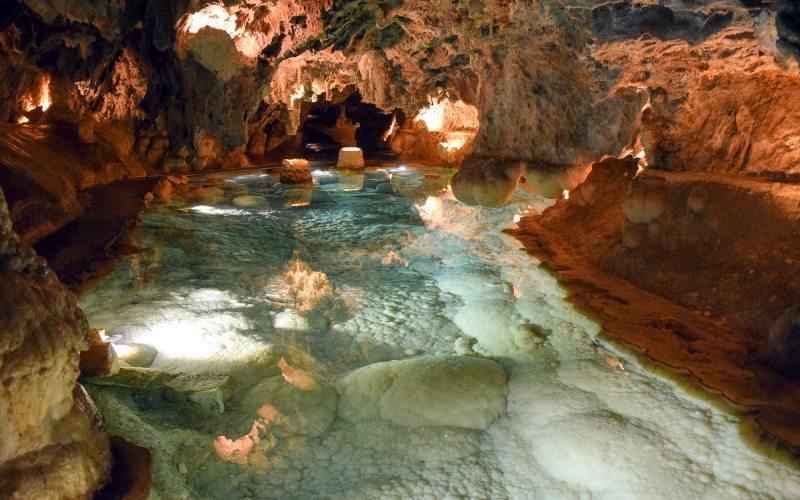 One of the lagoons of the Gruta de las Maravillas