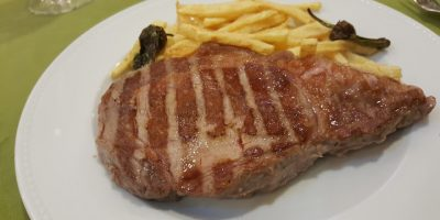 comer carne huelva restaurante azabache