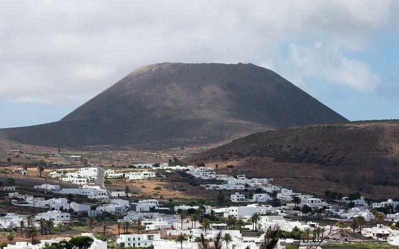 La Corona Volcano