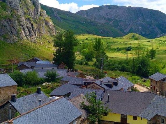 La Cueta, a hidden village in the heights Castile and León