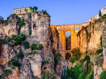 10 Spanish Cliff-Side Towns: Gazing into the Abyss