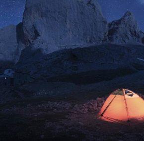 Free camping in Spain, an eternal crossroad
