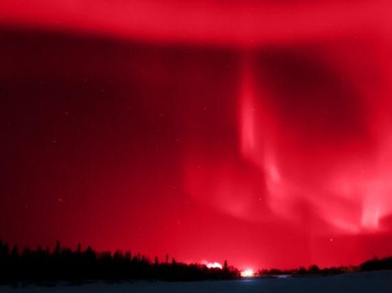 When the polar auroras turn Spain's sky red