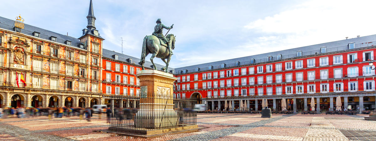 Madrid S Plaza Mayor 400 Years Of History 5 Different Names And All Kinds Of Uses Fascinating Spain