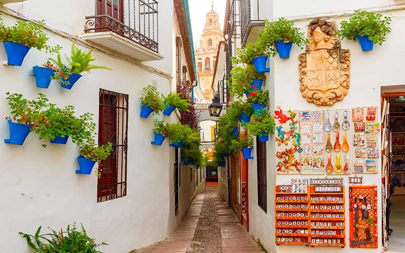 Rincones de la España sefardita: calles de la judería de Córdoba.
