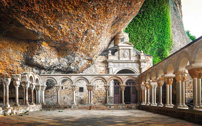 Monasterio españoles, de San Juan de la Peña en Huesca