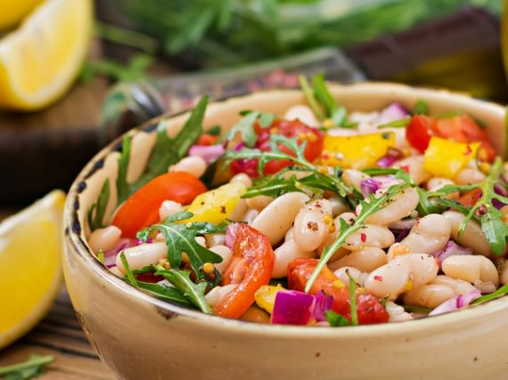 White beans salad, perfect to take to the beach