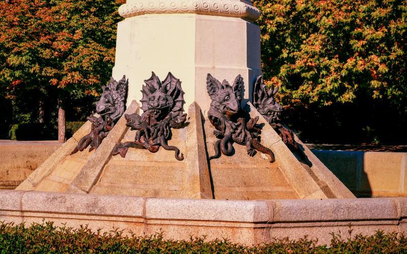 Pedestal Fallen Angel