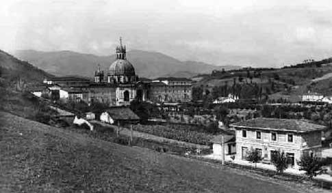 Fotografía antigua del Santuario de Loyola