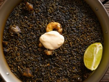Arroz Negro Recipe: Black Paella with Alioli