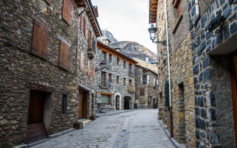 Pyrenean houses
