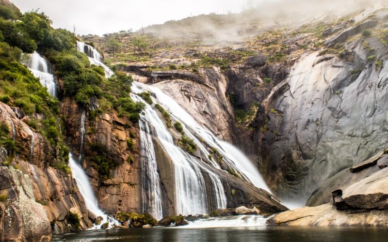 Ézaro waterfall