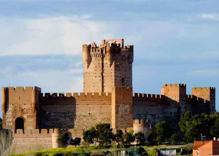 Castillo de Conyanza en Valencia de Don Juan