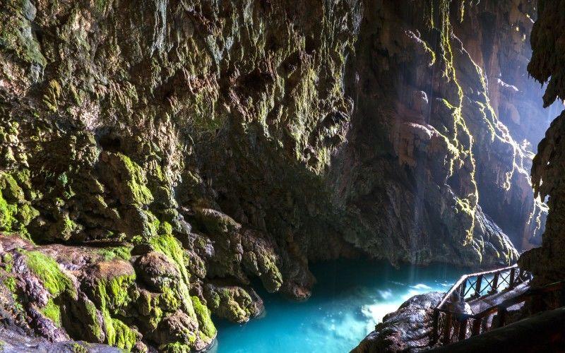 Cola Caballo waterfall
