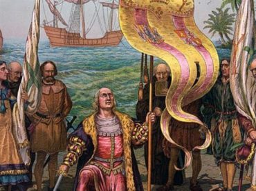 Why is Día de la Hispanidad (Spain's National Day) celebrated on October 12?