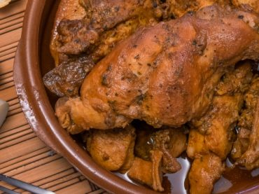 Rabbit in Canarian salmorejo, a surprising dish