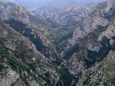 Desfiladero de la Hermida (Hermida Gorge) a place as big as its history