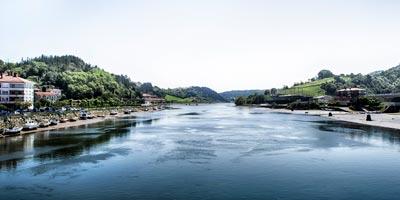 Vista del río Oria en Orio