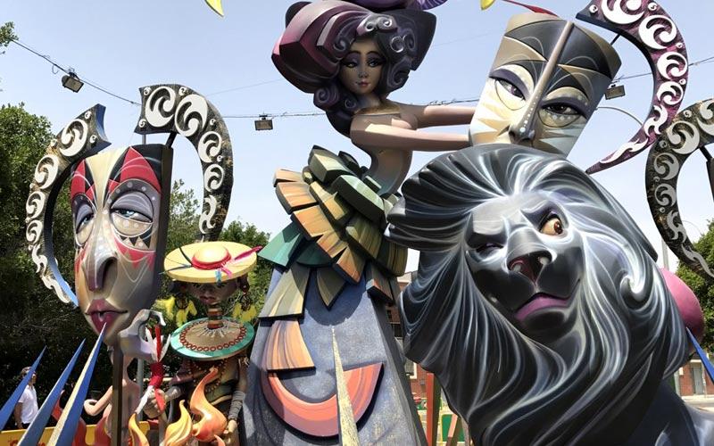 Fiestas patronales de España en junio: Hogueras de San Juan Alicante