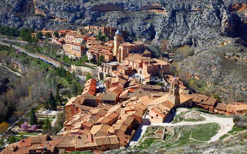 imagen_blog_viajes_10-pueblos-españoles-sobre-acantilados-al-borde-del-abismo-albarracin