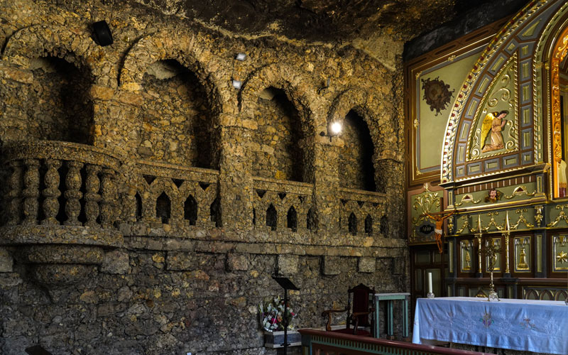 Walls inside the sanctuary