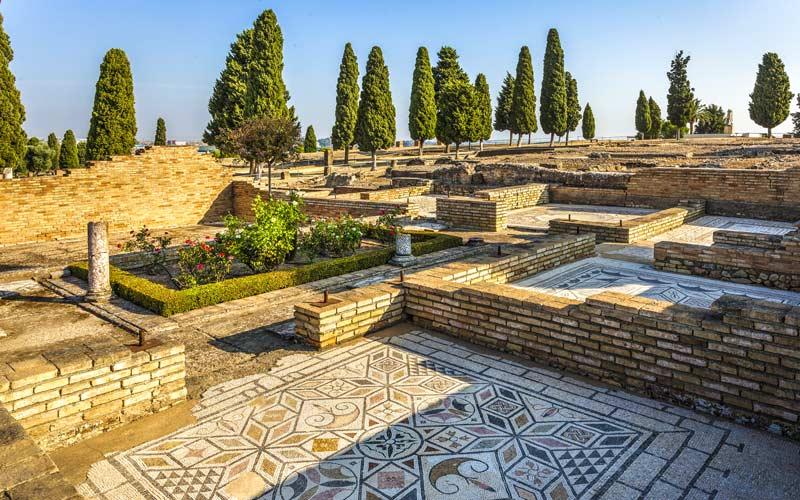 Itálica Monumentos romanos en España y ruinas antiguas en España