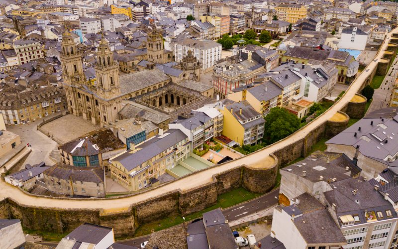 The ancient Lucus Augusti and the present-day city of Lugo separated by the city wall