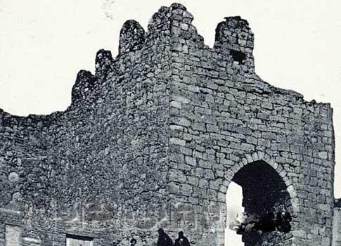 antigua Puerta de la muralla de Urueña