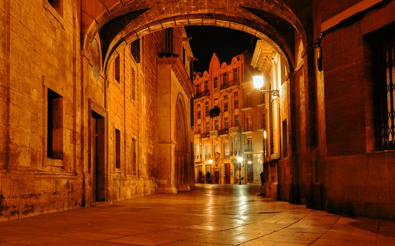 Night in the medieval streets of Valencia