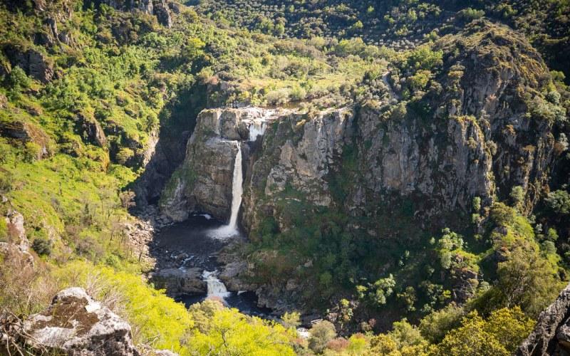 Pure nature around the Pozo de los Humos