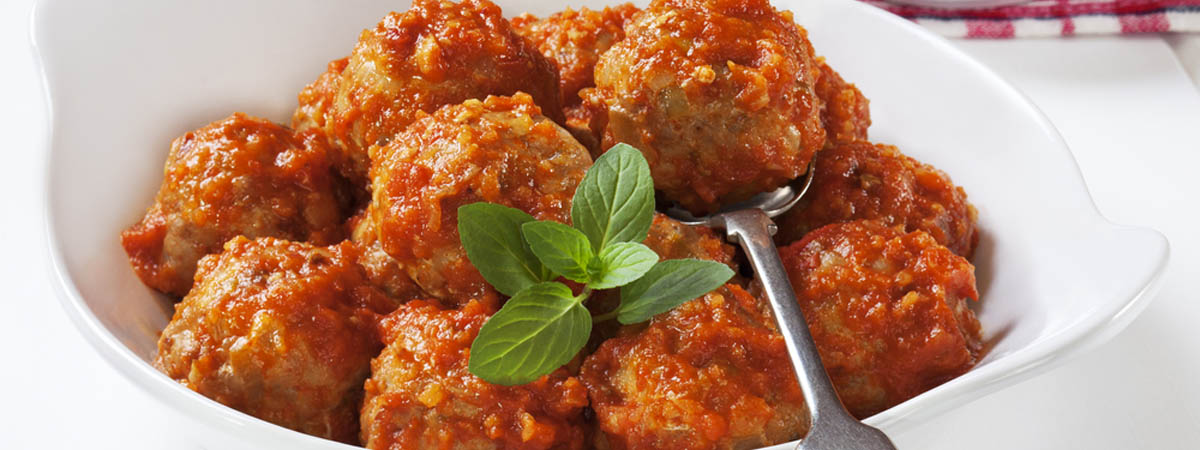 Meatballs with Tomato Sauce and Almonds