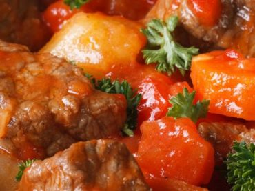 Calderillo Bejarano Recipe: the traditional stew from Béjar