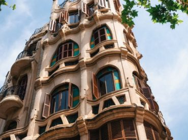 6 modernist buildings in Spain that resemble Gaudí's work