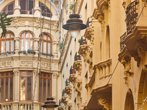Pasaje de Lodares, an Italian style modernist gallery in Albacete