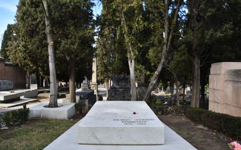 Tomb of Dolores Ibárruri