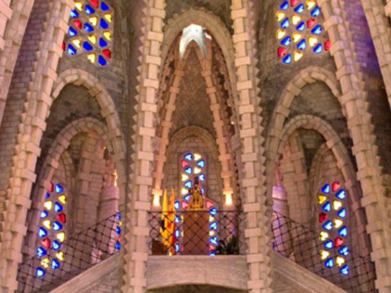 Santuari de la Mare de Deu de Montserrat, faith hidden between vineyards and mountains
