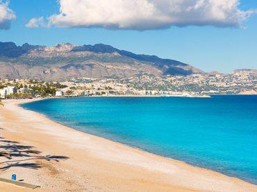 El Albir Beach in Alicante, a Mediterranean paradise