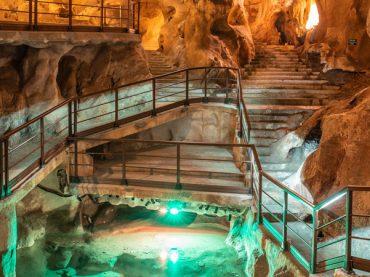 Cueva del Tesoro, the only cave of underwater origin in Europe