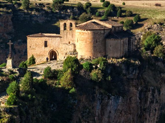 Hermitage of San Frutos in Segovia, Romanesque at the foot of the cliffs