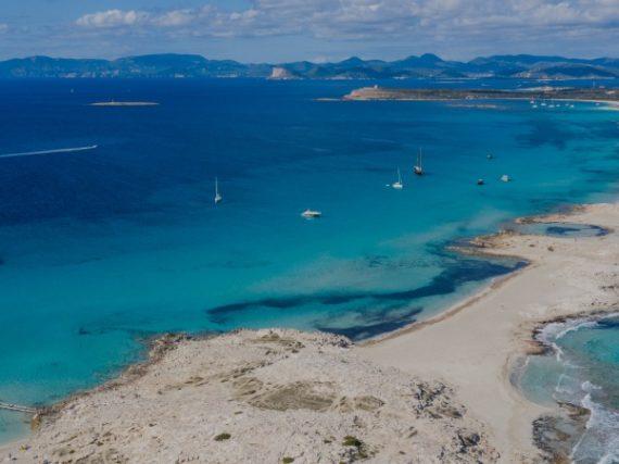 Espalmador, the unspoiled paradise of the Mediterranean Sea
