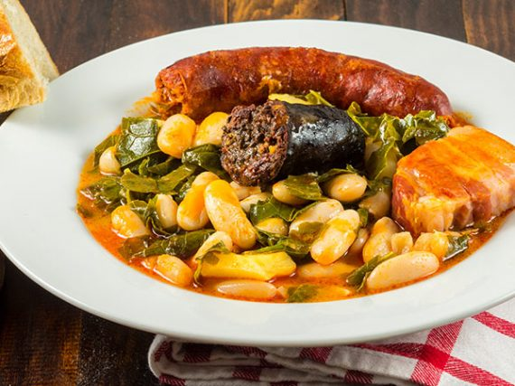 Essential products and dishes from Asturian cuisine