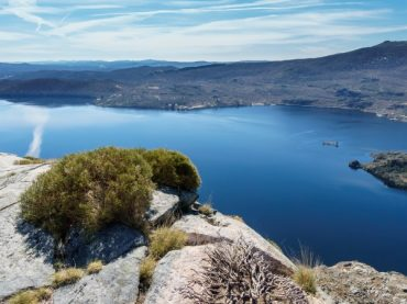 Sanabria Lake, a day at the largest lake of glacial origin on the peninsula