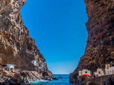 Porís de Candelaria, a white treasure hidden among the rocks of La Palma