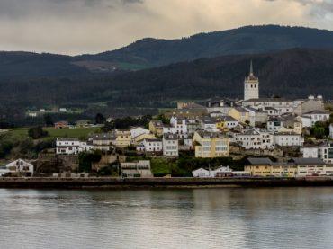 The estuary of Ribadeo or Eo, where Galicia and Asturias are one