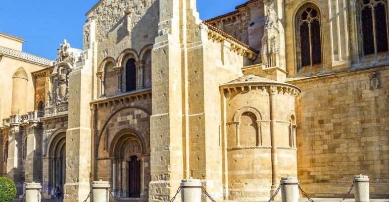 The Basilica of San Isidoro, a superb Romanesque gem in León and the tomb of ancient kings