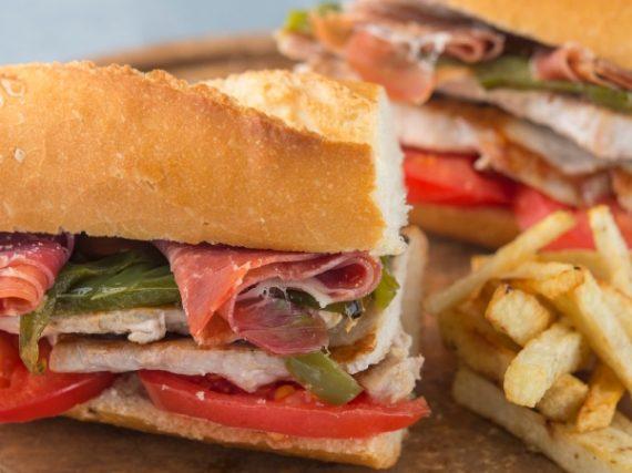 Bocadillo Serranito Recipe, the typical sandwich of Andalusia