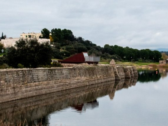 Proserpina Dam, bathing in the oldest Roman reservoir in Spain | A Weekend Getaway