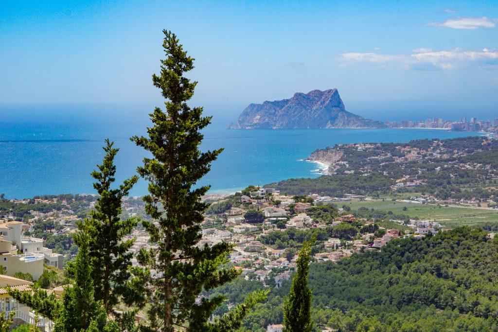 Views of the Benitatxell cliffs