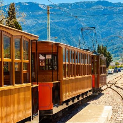 Tren de Sóller, the railway in Mallorca that refused to shut down