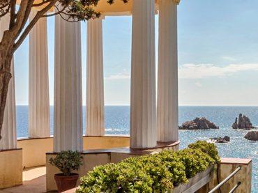 Linnaeus Temple, a gem of the Mediterranean | A Weekend Getaway